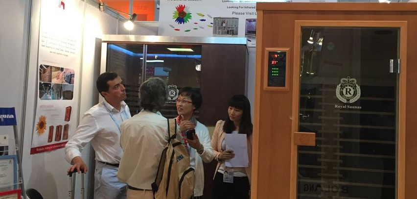 In 2015 the 117th session of the Canton Fair in Hongyuan fur